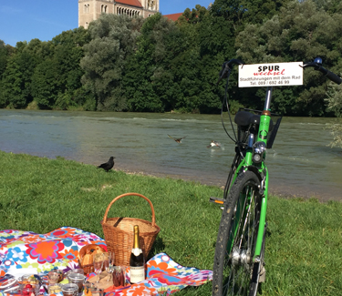 Picnic Tour and Bike tour Munich